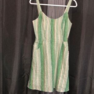 ADORABLE striped dress WITH POCKETS!